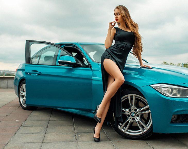 Картинки красивых девушек возле машин