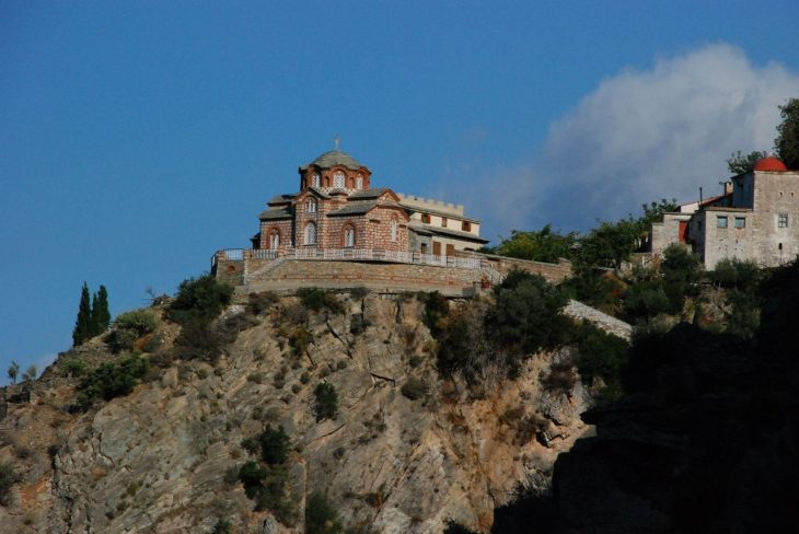 картинки греческий монастырь волосы это