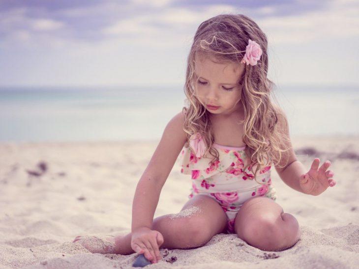 Голые Письки Девочек На Пляже