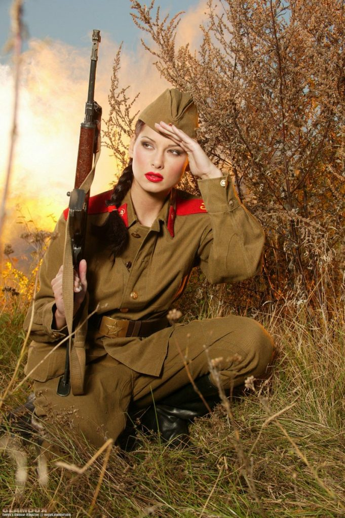 Красивые картинки женщин в военной форме
